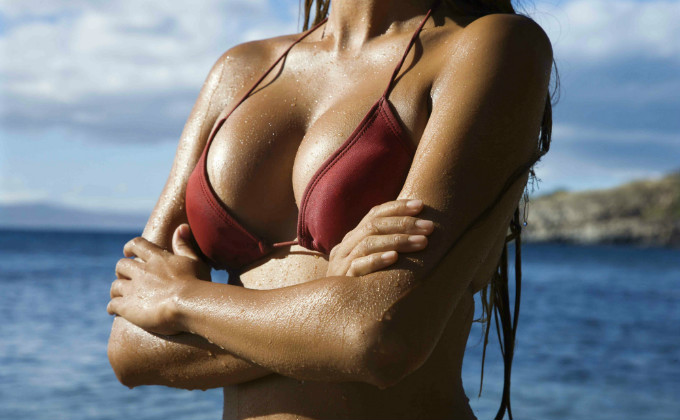 The new temporary breast augmentation procedure is getting a lot of buzz, but are vacation breasts safe? Top NYC plastic surgeon Dr. Tracy Pfeifer weighs in.